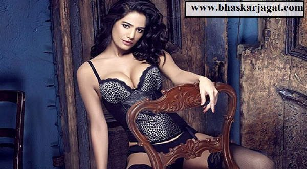 This video of Poonam Pandey has made all the social media look a Tehelka, you also see